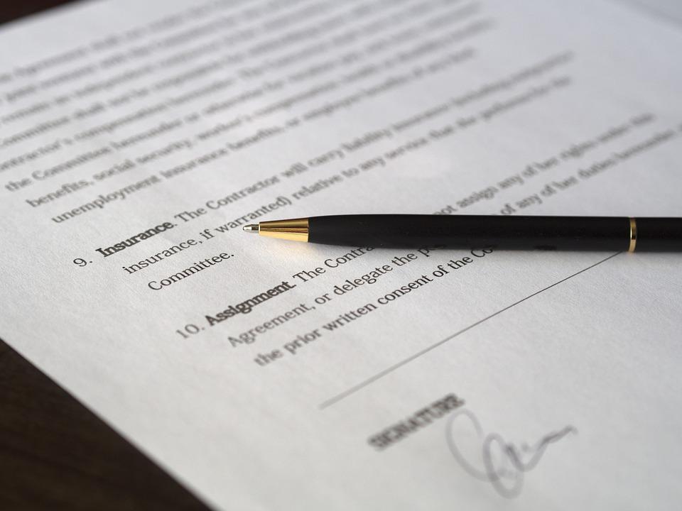 Contrato de seguros firmado