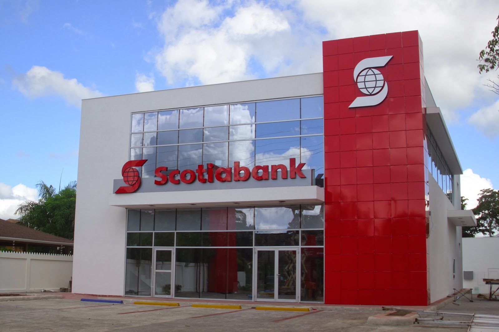 Horarios y sucursales de scotiabank en santiago for Horario naviera armas oficinas