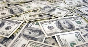 Trump quiere abaratar al dólar ¿lo logrará?