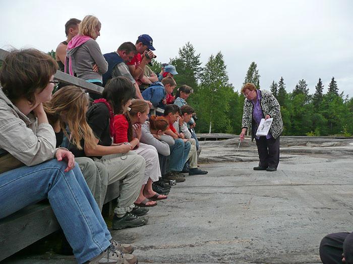 Экскурсия петроглифы