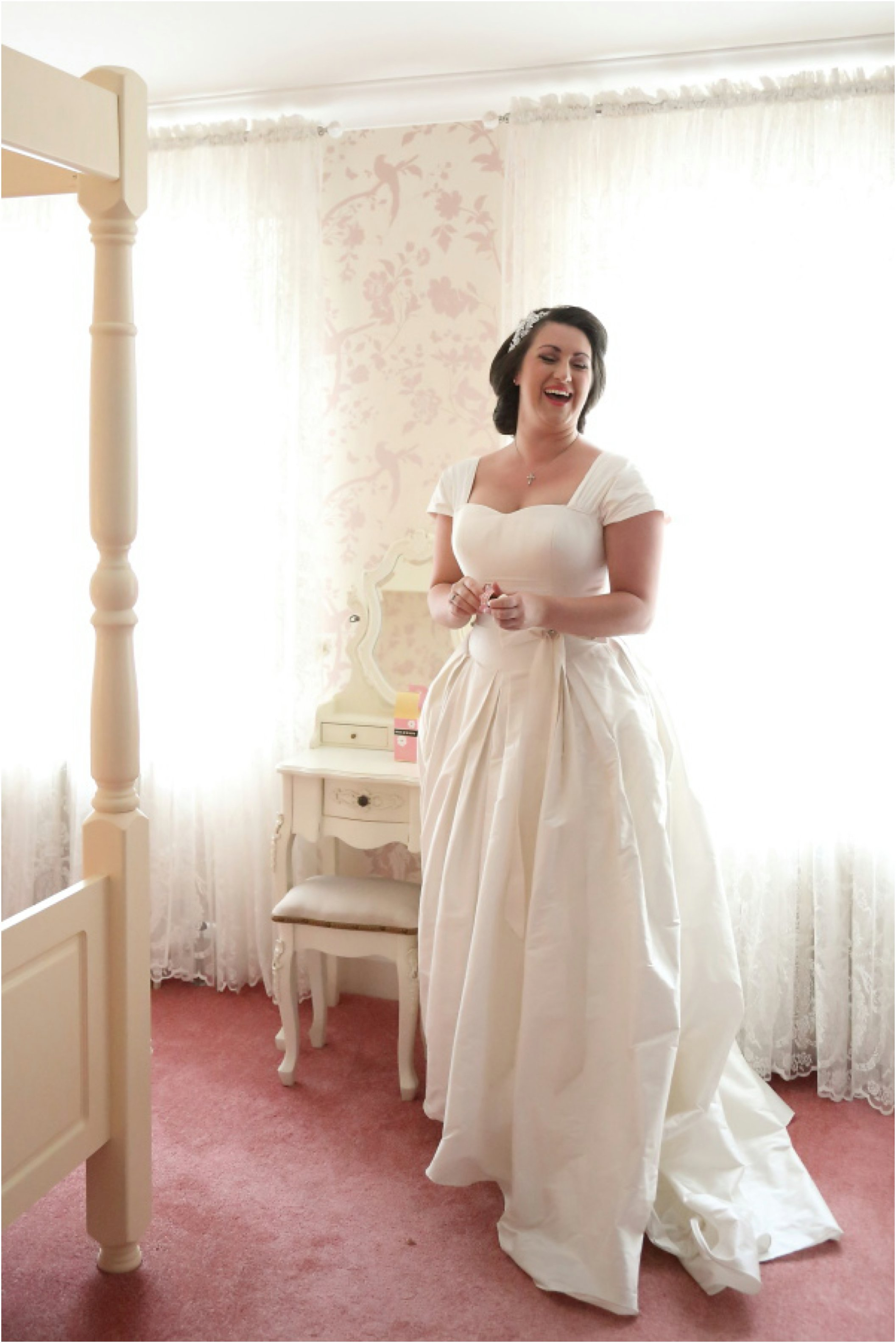 joyfull laughin bride at stylish essex wedding