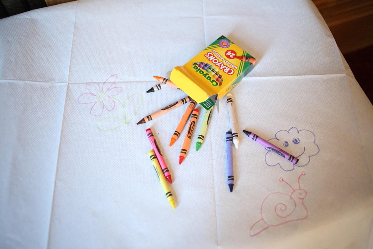 crayons to draw on childrens table cloth at cambridge wedding reception