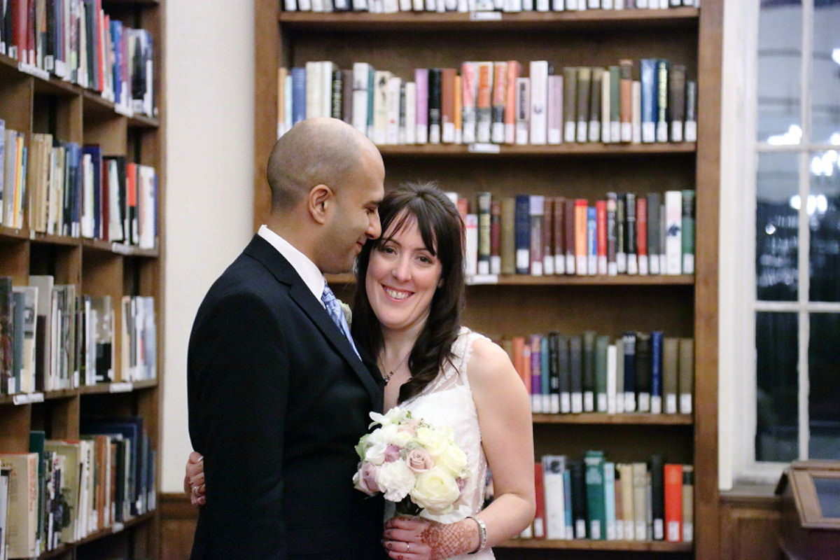 cambridge union society wedding photography in the library