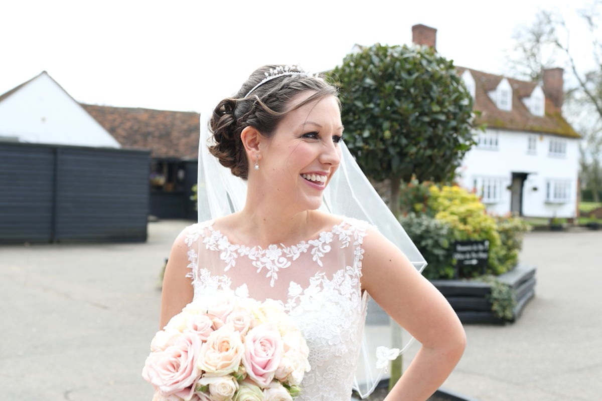 pretty, vintage bride at channels golf club wedding
