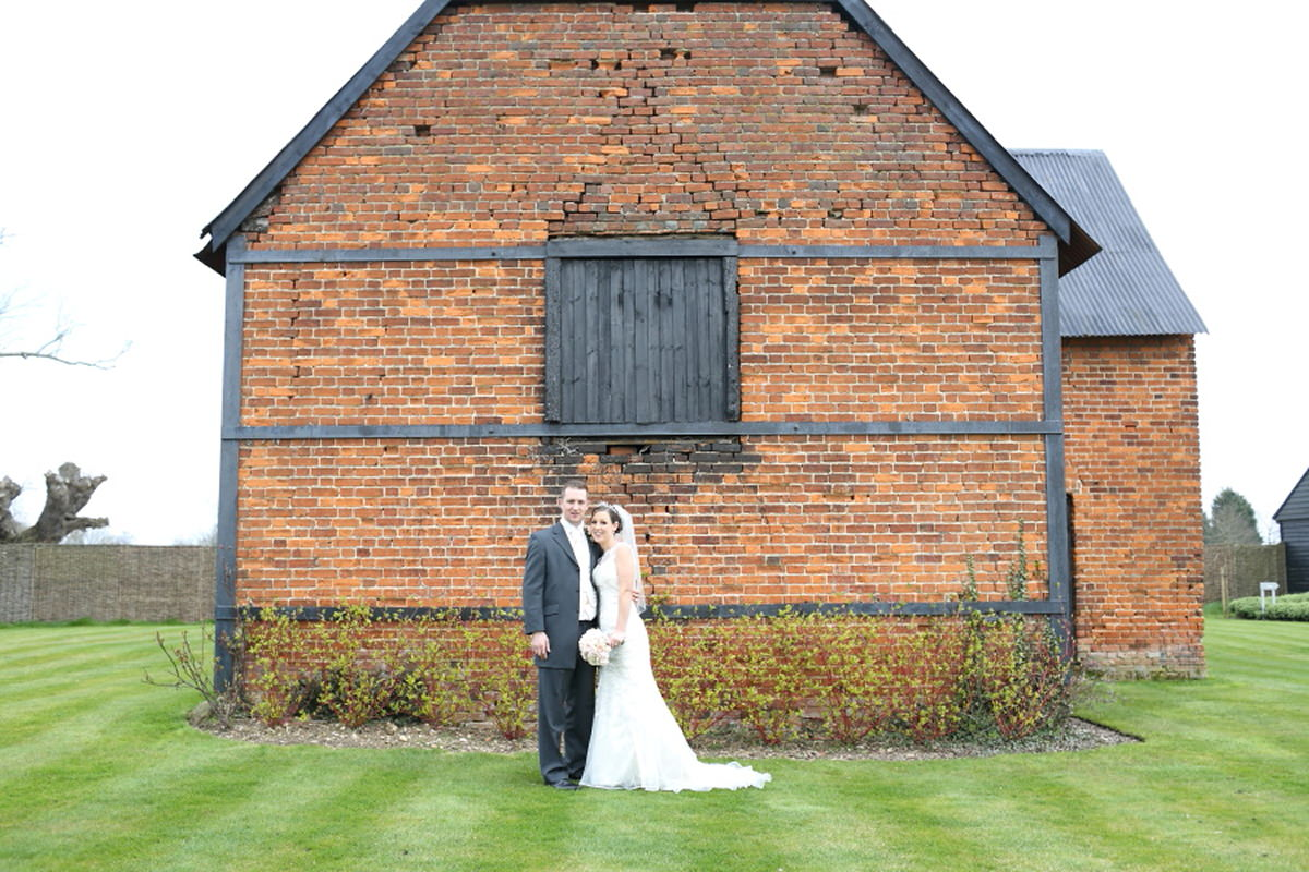 wedding couple portraits at channels golf club essex at old barn