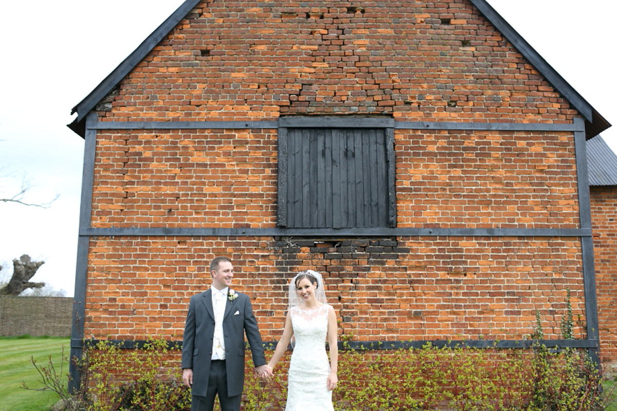 couples portraits at old barn, channels golf club essex
