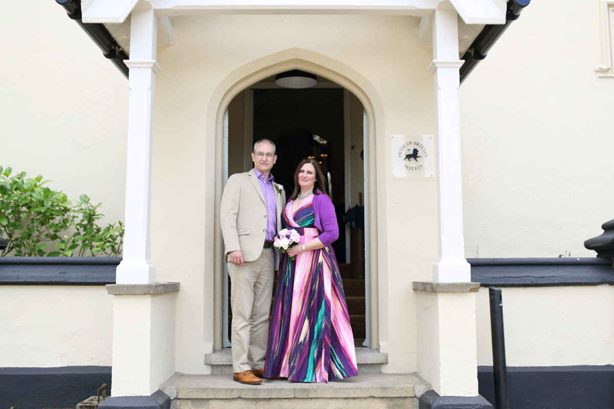 colourful wedding at le talbooth essex
