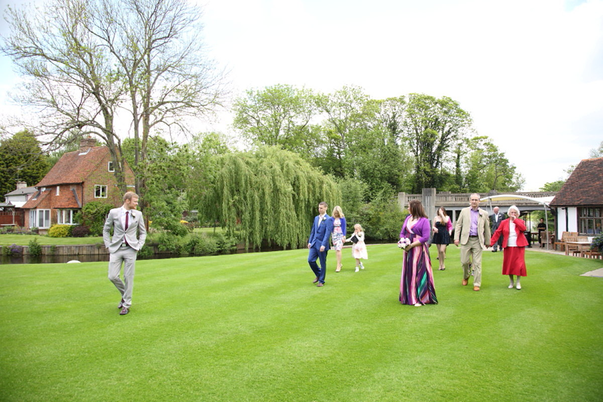 intimate family wedding at le talbooth essex