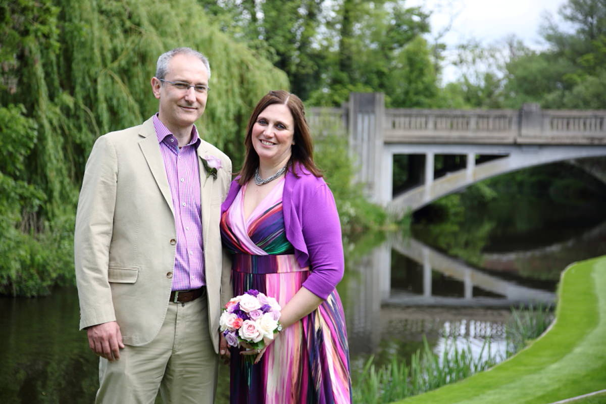 colourful essex wedding at le talbooth