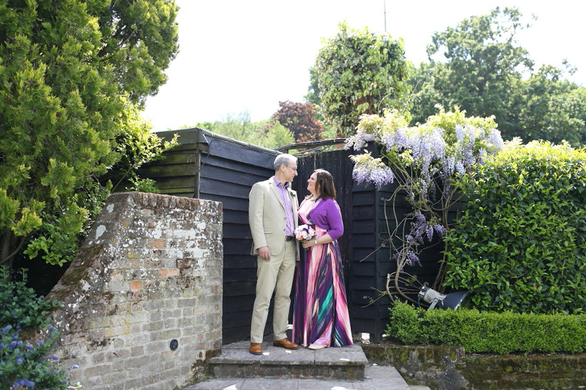 colourful wedding at le talbooth