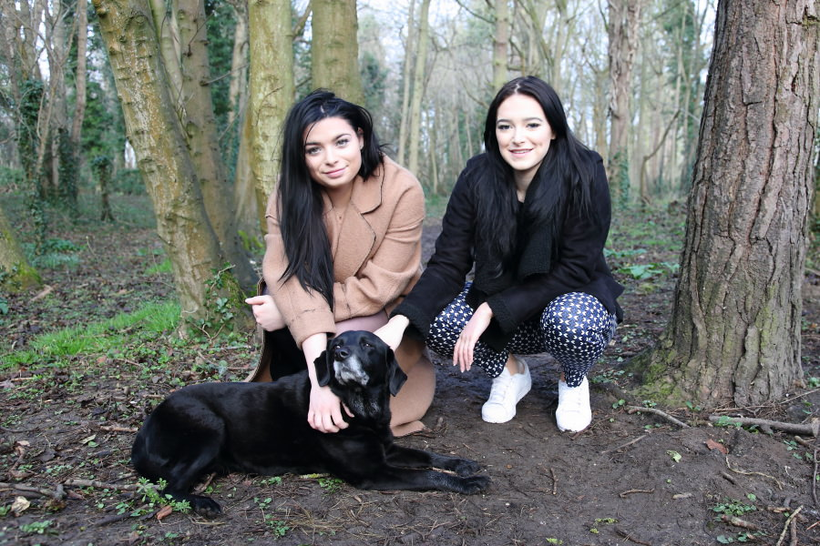 cambridge family photography sesison in the woods with family dog