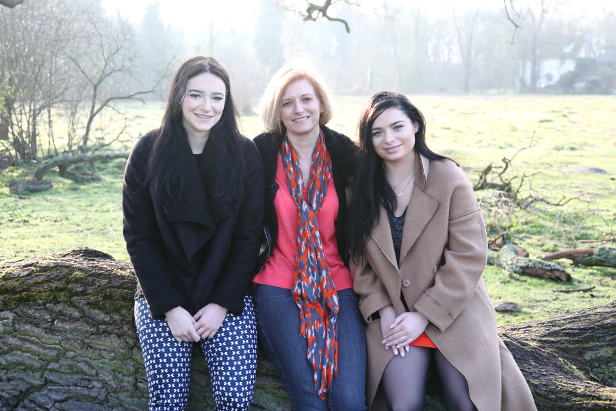 mother and dughters at cambridge family photo session