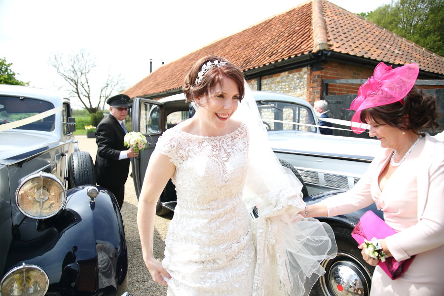 natural wedding photography at the granary barns suffolk