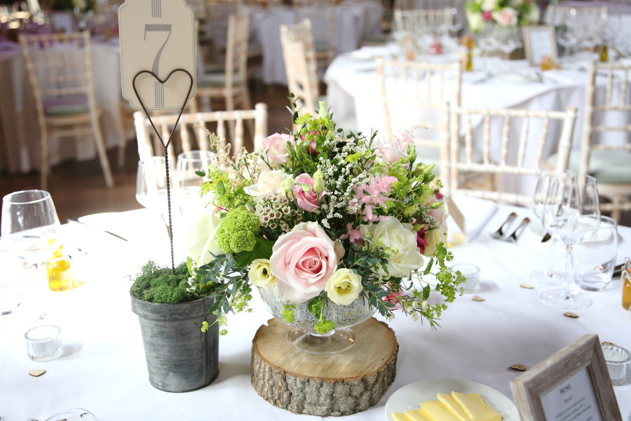 beautiful table decorations Heather Carpenter flowers, The Granary Barn's Suffolk