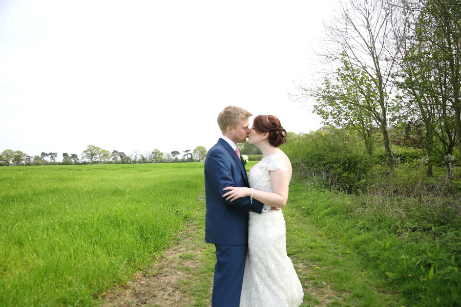 relaxed suffolk wedding photography