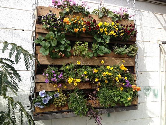 Recycled garden planter