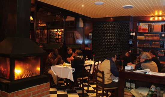 Dining in the Hussar Grill