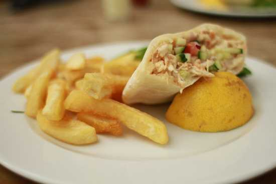 Greek chicken mayo pita and chips