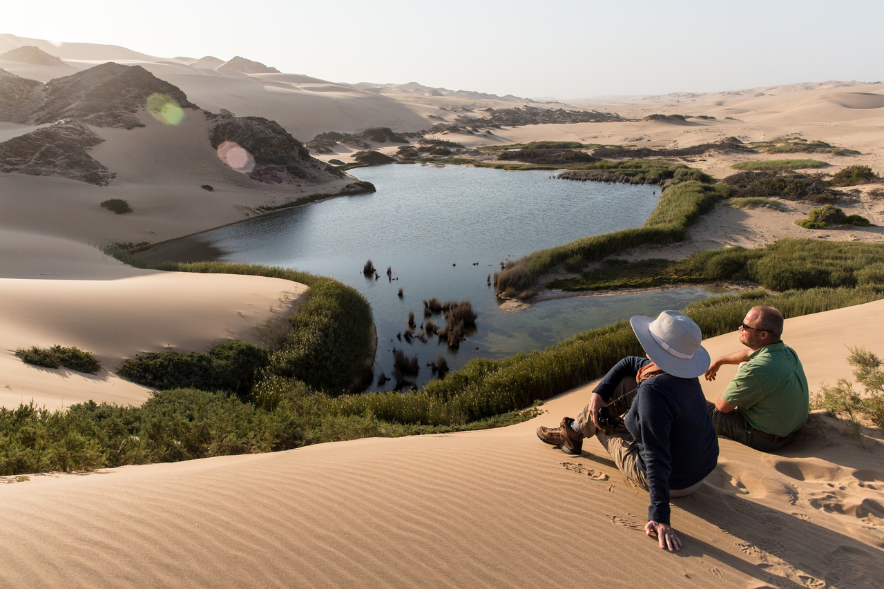 eco-friendly lodges hoanib-skeleton-coast-camp-views-landscape-02
