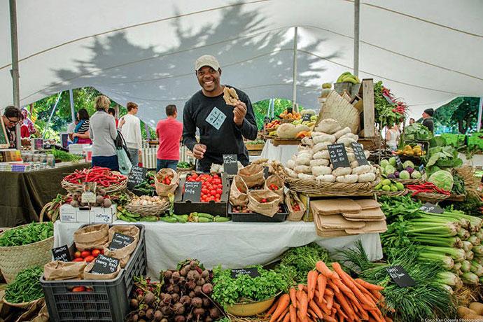 oranjezicht-city-farm-market-organic-stand photo by-Coco Van Oppens