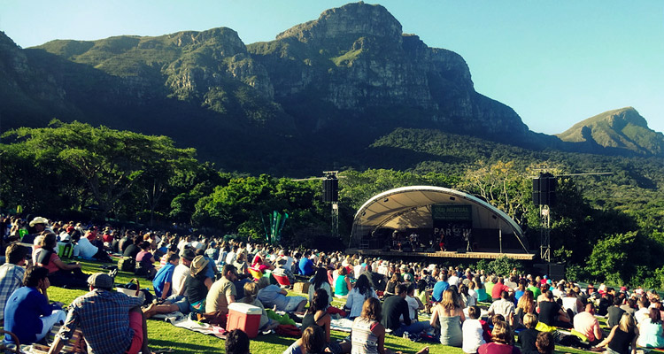 people-enjoying-kirstenbosch-concerts-cape-town-activities