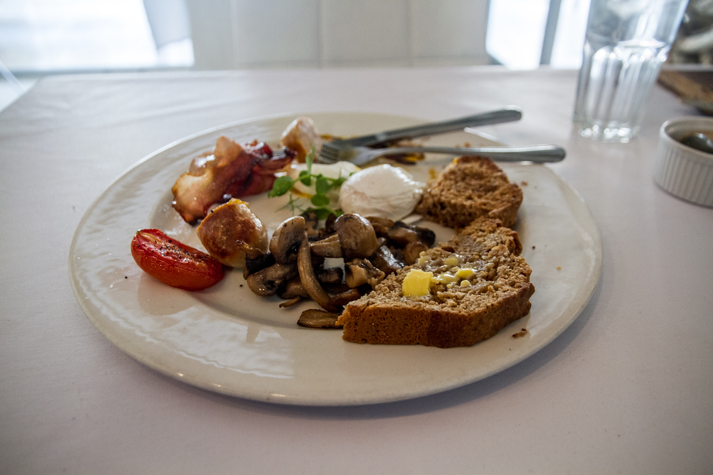 Manna Epicure's classic breakfast on Kloof Street