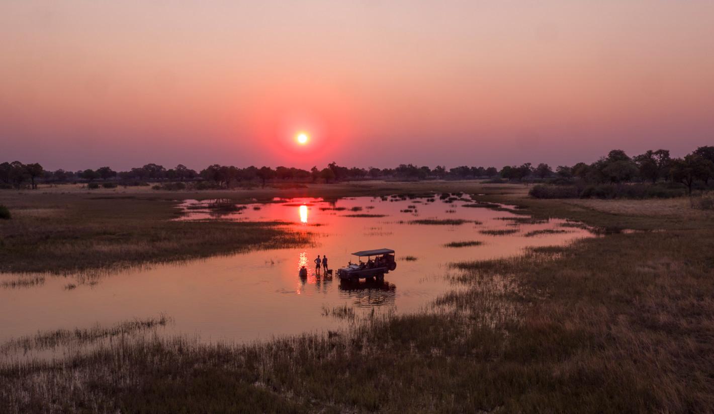 sunset-drinks-in-botswana
