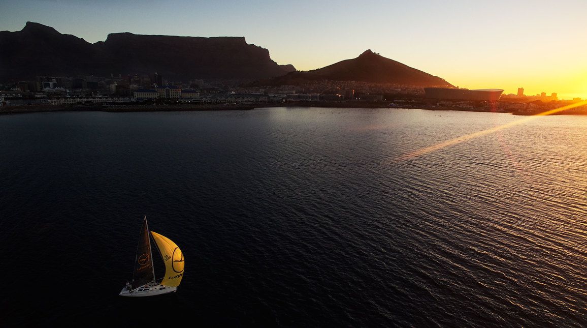 12 Photos That Show Why Cape Town Is Considered The Most Beautiful City In The World Rhino