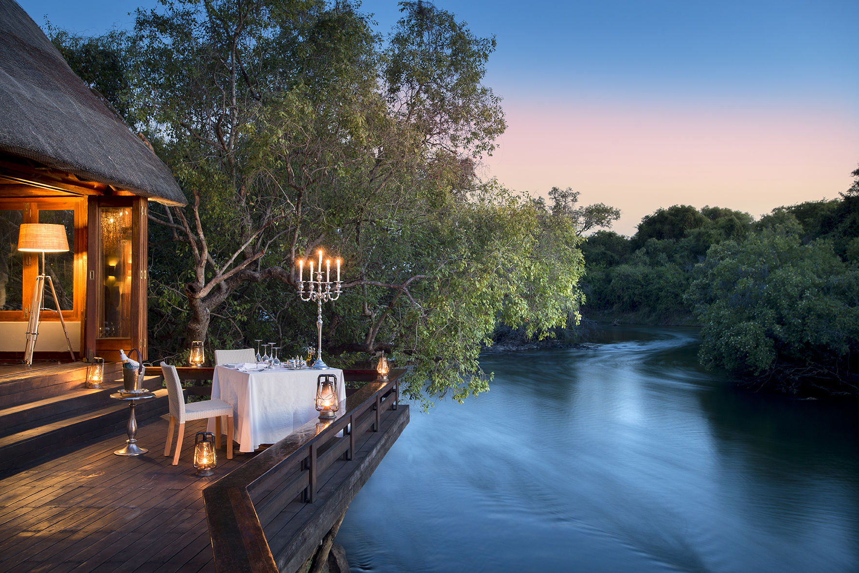 The world's most romantic dinner setting