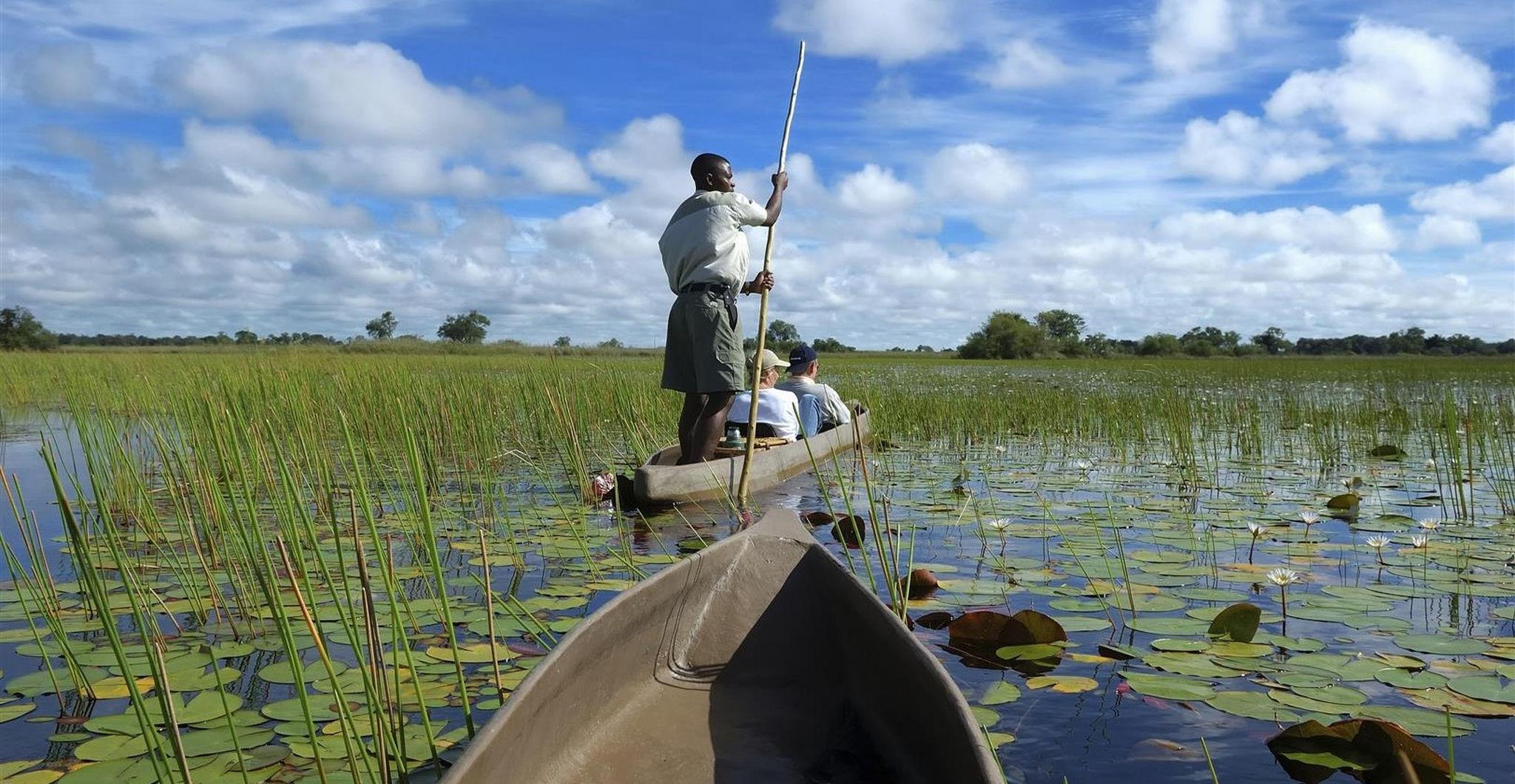 Safari en mokoro por el delta del Okavango