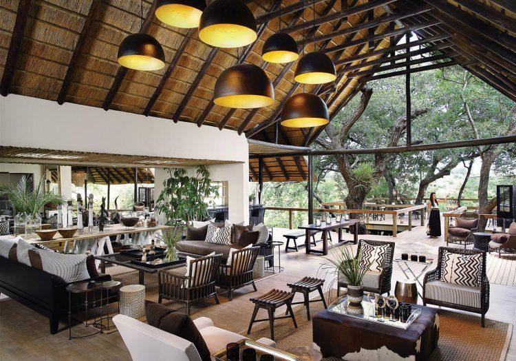 El salón principal de Londolozi Tree Camp