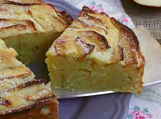 Ricetta: torta di mele con crema alla ricotta