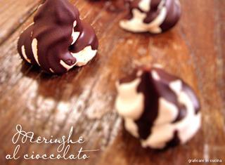 Come fare le meringhe al cioccolato
