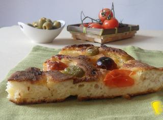 Come preparare la focaccia con pomodorini senza glutine