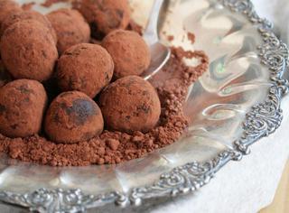 Ricetta: tartufi al cacao e nocciole