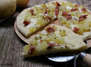 Come preparare la pizza speck e patate