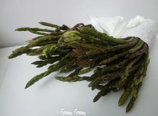 Come preparare il risotto agli asparagi e salsiccia