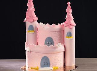 Come realizzare una torta a castello