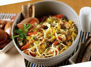 Spaghetti allo scoglio e peperoni