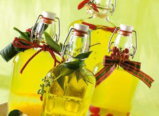 Come preparare gli aceti aromatici