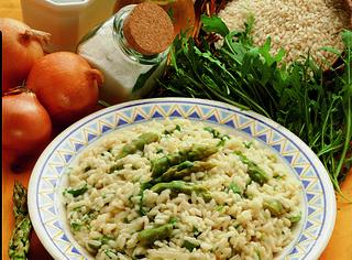 Come preparare il risotto rucola e asparagi