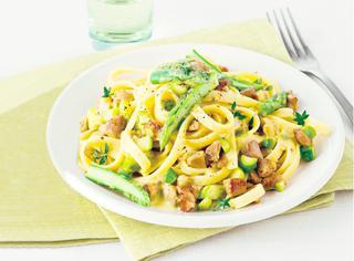 Pasta fresca con asparagi e ragù di agnello