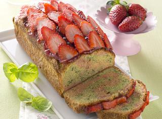 Torta morbida alle fragole e basilico