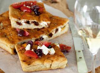 Focaccia morbida con olive