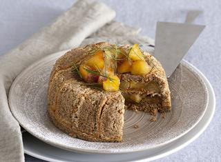 Torta charlotte di mele e noci
