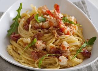 Spaghetti alla carbonara con i gamberi