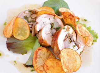 Coniglio porchettato al forno con patate