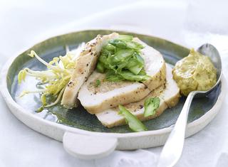 Petto di pollo al forno con ripieno di asparagi