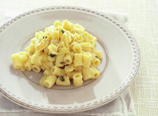 Pasta e patate filante