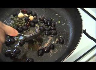Ricetta: stoccafisso con pomodori, capperi e olive nere